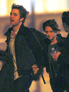 Robert Pattinson and Kristen Stewart's Close Encounter in Paris