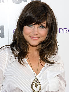 Costar: Expectant Tiffani Thiessen Is 'Beaming'