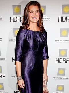 Brooke Shields Recalls Suicidal Thoughts After Giving Birth