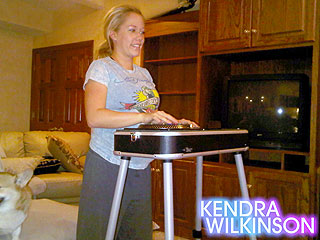 Kendra Wilkinson Cures Pregnancy Boredom with Video Games