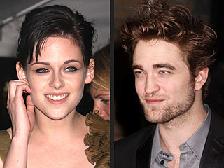 Rob & Kristen Keep Their Distance at New Moon Screening