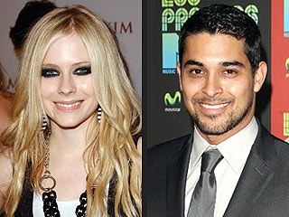 BUZZ: Avril Lavigne & Wilmer Valderrama More Than Friends?