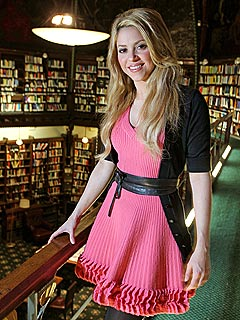 PHOTO: Shakira Goes to Oxford University