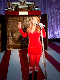 First Look: Mariah&#39;s NBA Christmas Video
