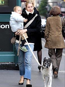 "Kelly Rutherford Says Her Dog Oliver is ""A Joy"""
