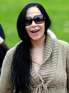 Octomom May Add a Pet Pig to Her Brood