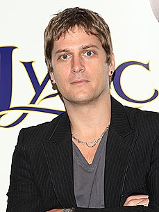 Rob Thomas's Tour Bus Must: His Dog!