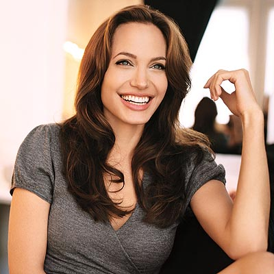 http://img2.timeinc.net/people/i/2009/specials/beauties/beauties/angelina_jolie.jpg