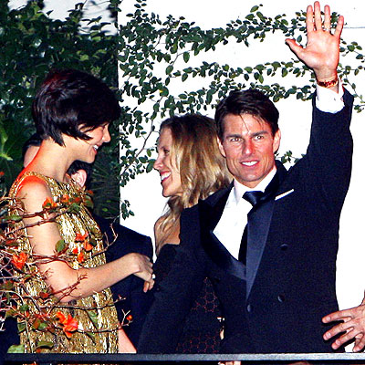 HI FROM ABOVE  photo | Katie Holmes, Tom Cruise