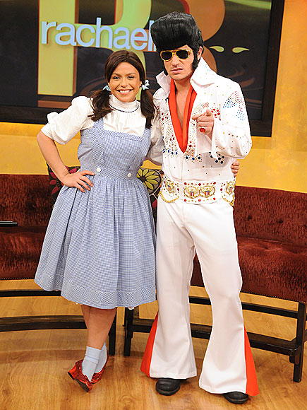Still Lovin 98°: Rachel Ray Cooks Up Halloween Show With Nick Lachey