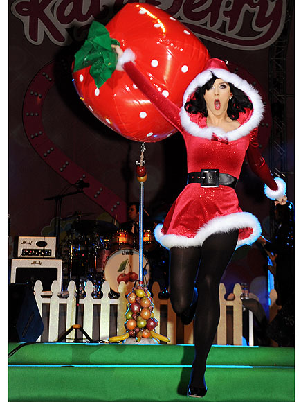 FEELING FESTIVE photo | Katy Perry