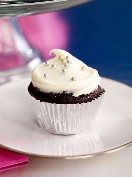 Preston Bailey's Chocolate-Chocolate Cupcakes with White Frosting photo | Preston Bailey