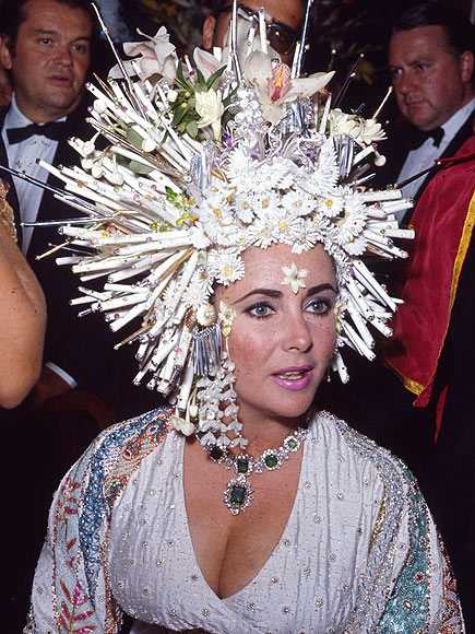 HAIR RAISING  photo | Elizabeth Taylor