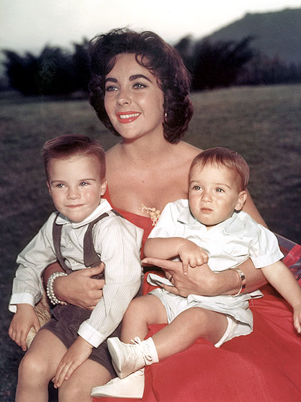 MATERNAL ROLE photo | Elizabeth Taylor