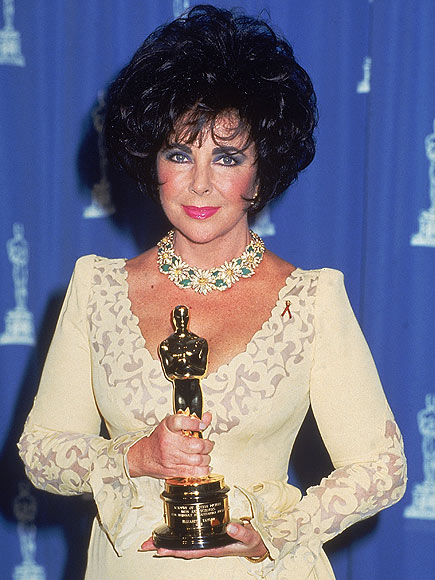 GOLDEN MOMENT photo | Elizabeth Taylor