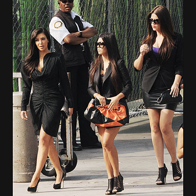 UNITED FRONT  photo | Khloe Kardashian, Kim Kardashian