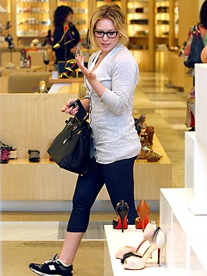 SHOE SHOPPING photo | Hilary Duff