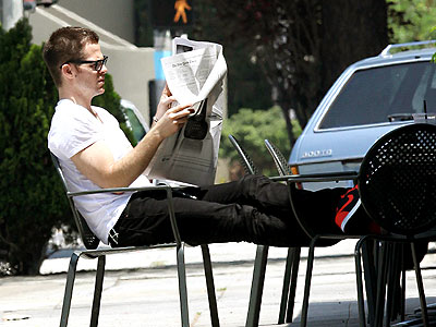 READING THE PAPER photo | Chris Pine