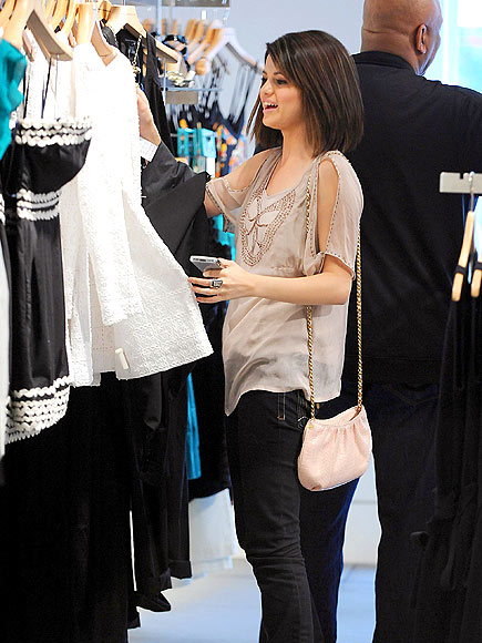 SHOPPING photo | Selena Gomez
