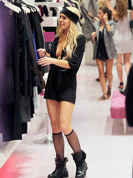 SHOPPING photo | Lindsay Lohan