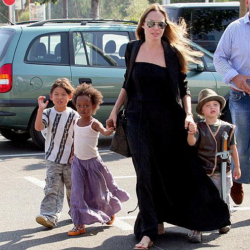 TOY SHOPPING photo | Angelina Jolie