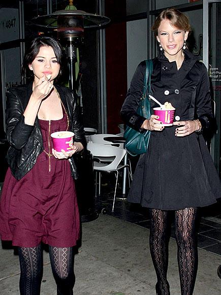 EATING FRO-YO photo   Selena Gomez, Taylor Swift