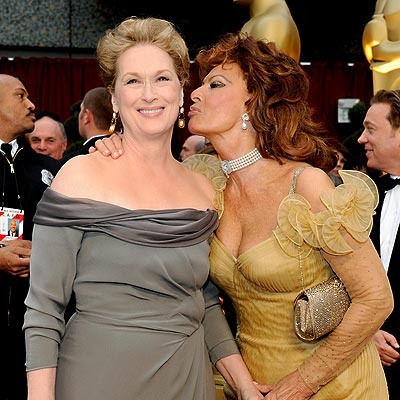 http://img2.timeinc.net/people/i/2009/specials/oscars09/kisses/meryl_streep.jpg