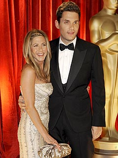 Angelina Jolie, Jennifer Aniston Share Oscar Spotlight| Oscars 2009, Angelina Jolie, Brad Pitt, Jennifer Aniston, John Mayer