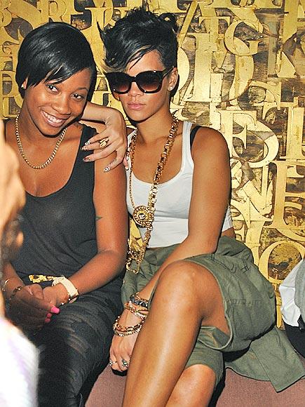 SITTING PRETTY photo | Rihanna