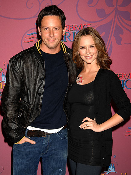 JENNIFER & ROSS photo | Jennifer Love Hewitt
