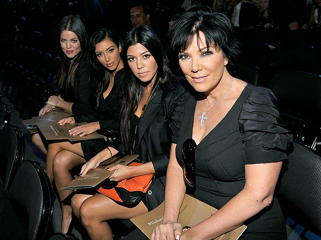 REMEMBERING MJ  photo | Khloe Kardashian, Kim Kardashian, Kourtney Kardashian