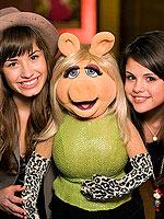 The Muppets:Comeback ofThe Year! | Demi Lovato, Selena Gomez