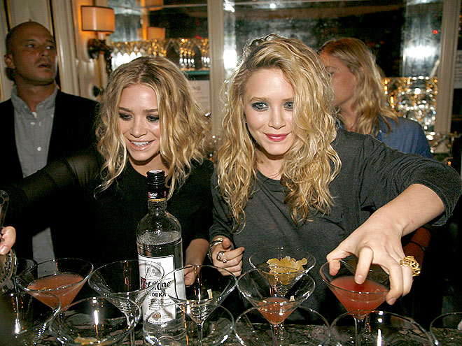 DOUBLED UP photo | Ashley Olsen, Mary-Kate Olsen