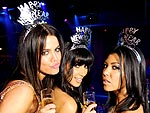 25 Best Celeb Photos of 2009 | Khloe Kardashian, Kim Kardashian, Kourtney Kardashian