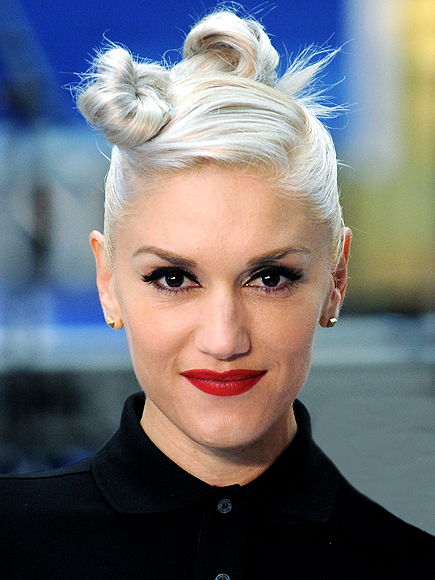 GWEN GETS TWISTED photo | Gwen Stefani