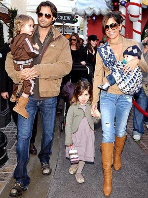 ALL IN THE FAMILY photo | Brooke Burke, David Charvet