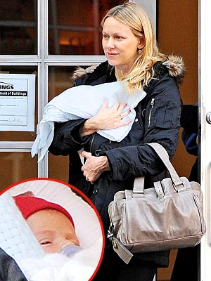 BABY BUNDLE photo | Naomi Watts
