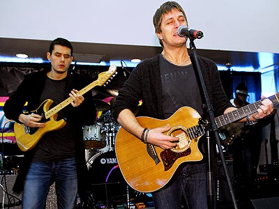 FIRST STRING photo | John Mayer, Rob Thomas
