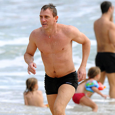 BEACH BOND photo | Daniel Craig