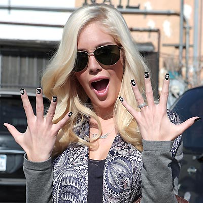 SPIRIT FINGERS photo | Heidi Montag