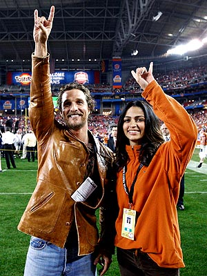 SIGN LANGUAGE photo | Camila Alves, Matthew McConaughey