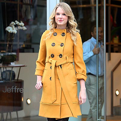YELLOW JACKET photo | Taylor Swift