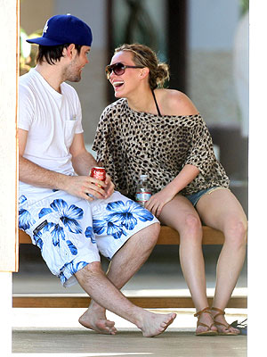 BAHAMA BABE photo | Hilary Duff