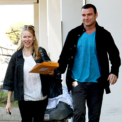 LETTER CARRIERS photo | Liev Schreiber, Naomi Watts