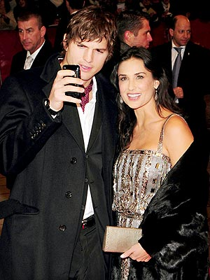 POINT & SHOOT photo | Ashton Kutcher, Demi Moore