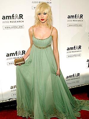 GOING GREEN photo   Taylor Momsen