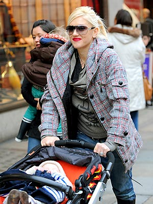 CITY WALK photo | Gwen Stefani