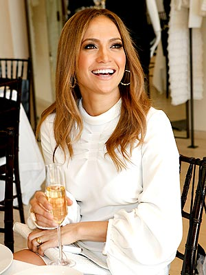 CHEERS!   photo | Jennifer Lopez