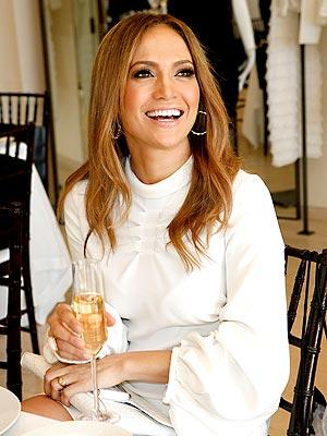 CHEERS!   photo | Jennifer Lopez