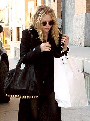 BAG LADY photo   Mary-Kate Olsen